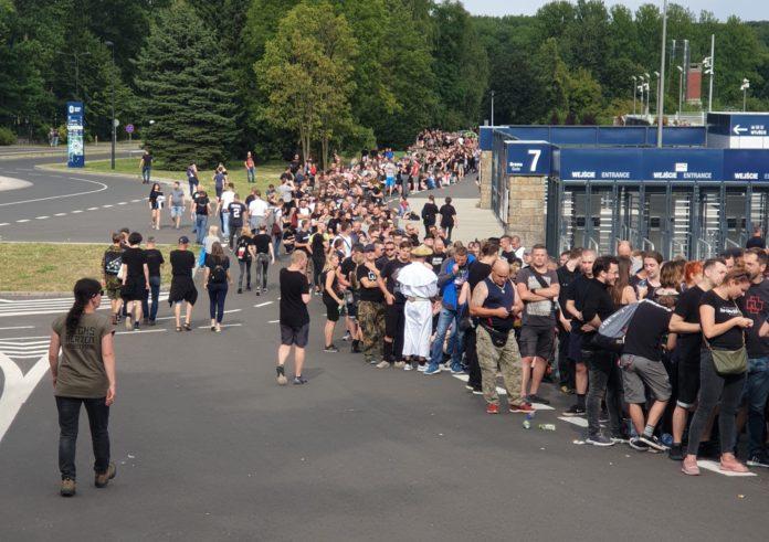 Kolejka do wejścia na koncert Rammstein